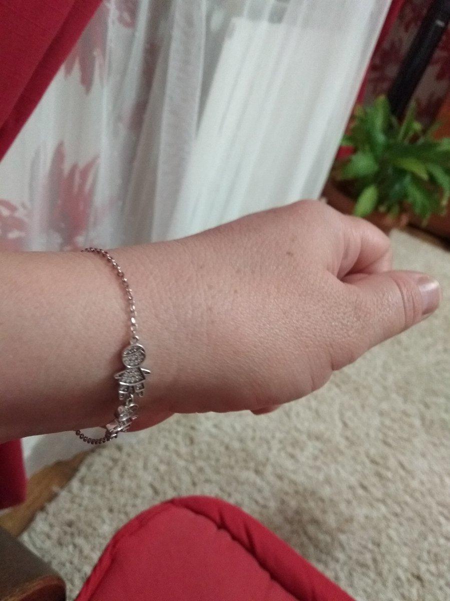 Супер браслет, тонкий но крепкий, покупайте не самневайтесь.