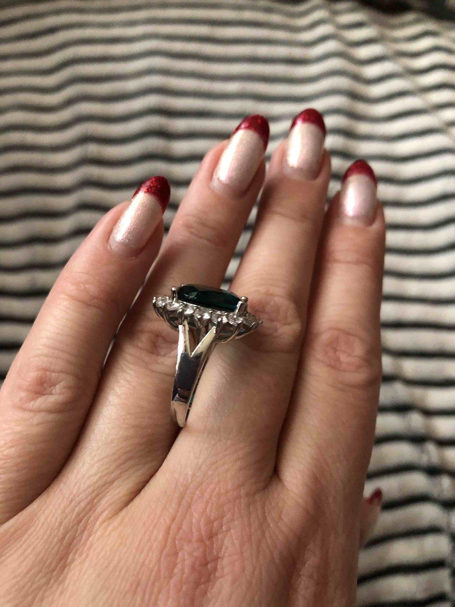 Кольцо с зеленым феонитом