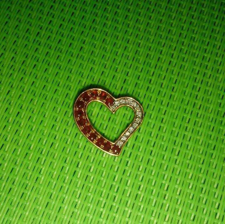 Сердечко с рубинами