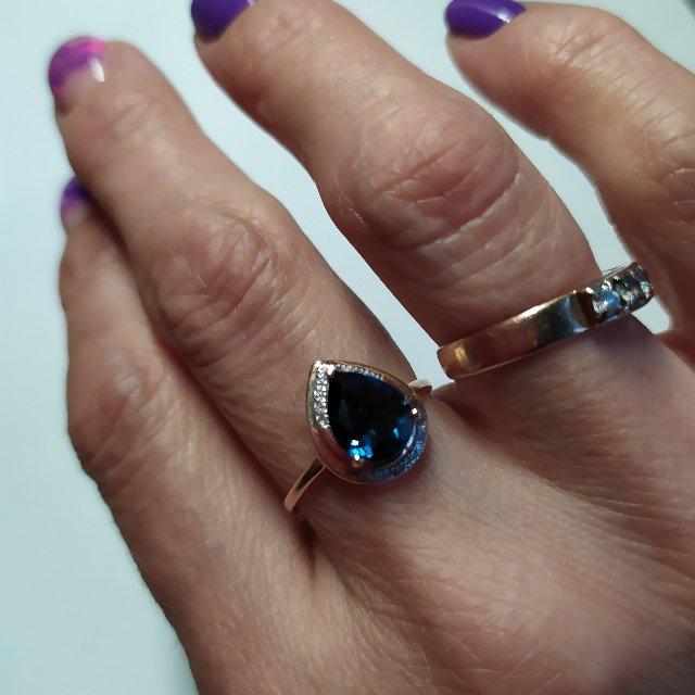 Не маленькое кольцо! Это радует!