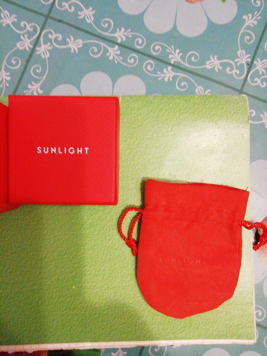 Кольцо заказала в магазине онлайн, доставили в красивой подарочной упаковке