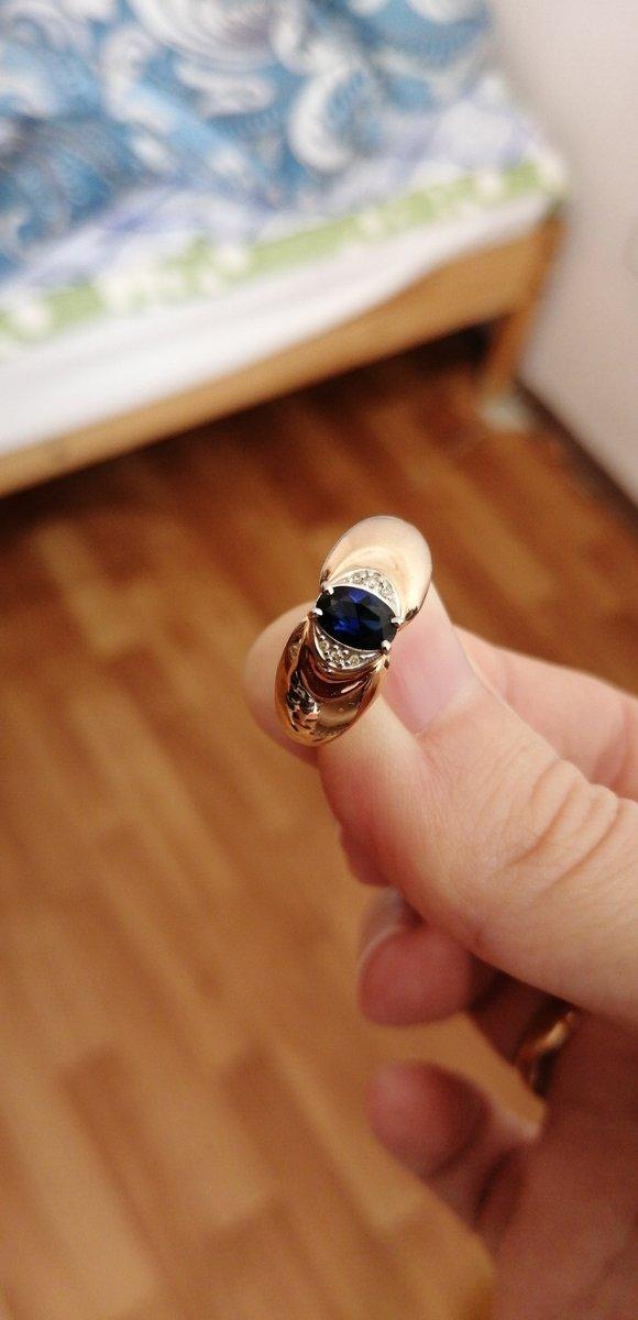 Кольцо с бриллиантом по акции, можно сказать даром!