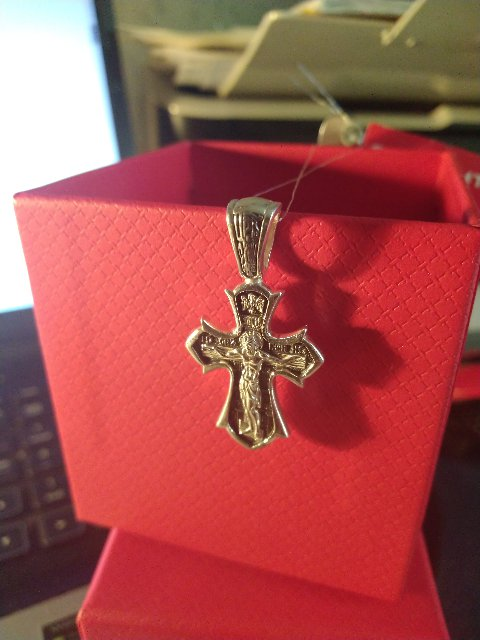 Крестик серебряный.