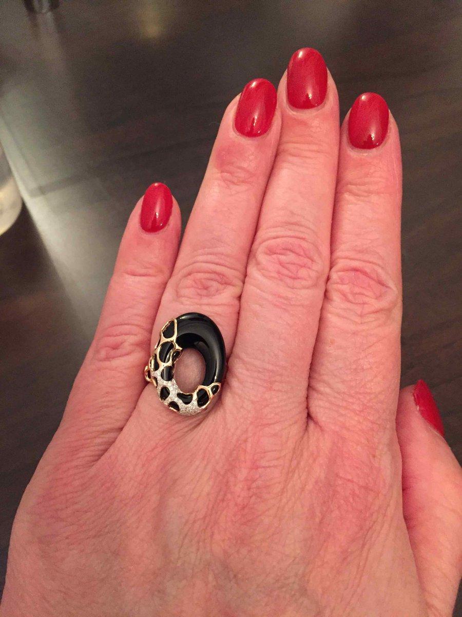 Порадовала себя и купила кольцо