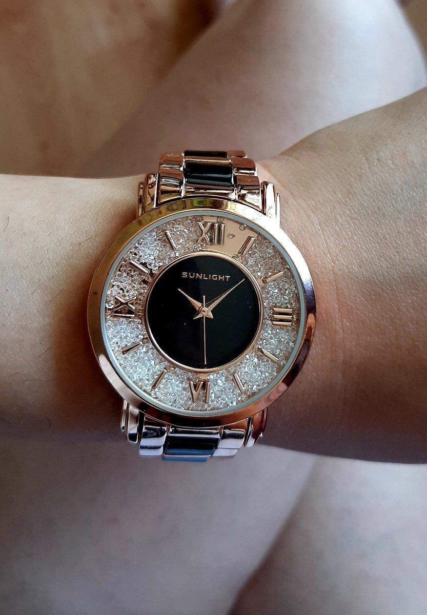 Часики роскошные