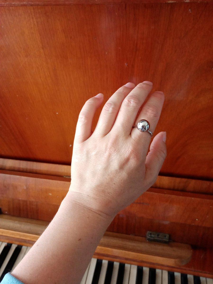 Очень красивое и оригинальное кольцо!