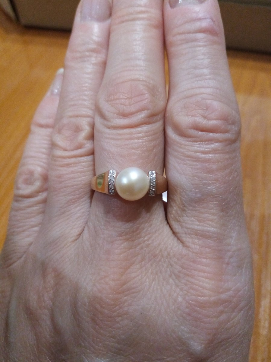 Давно искала кольцо с жемчугом для комплекта с серьгами.