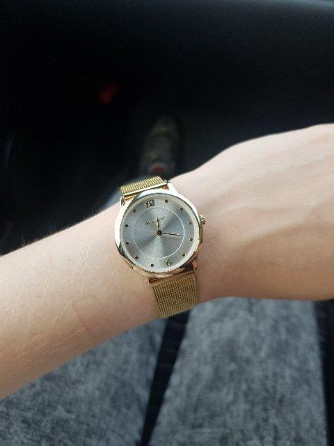 Покупала часы на подарок