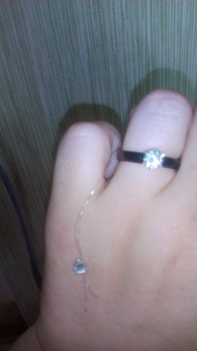Красивое кольцо с эмалью.