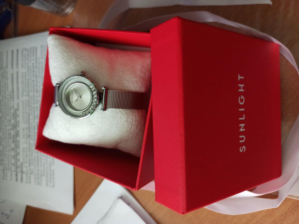Часы в красной коробочке