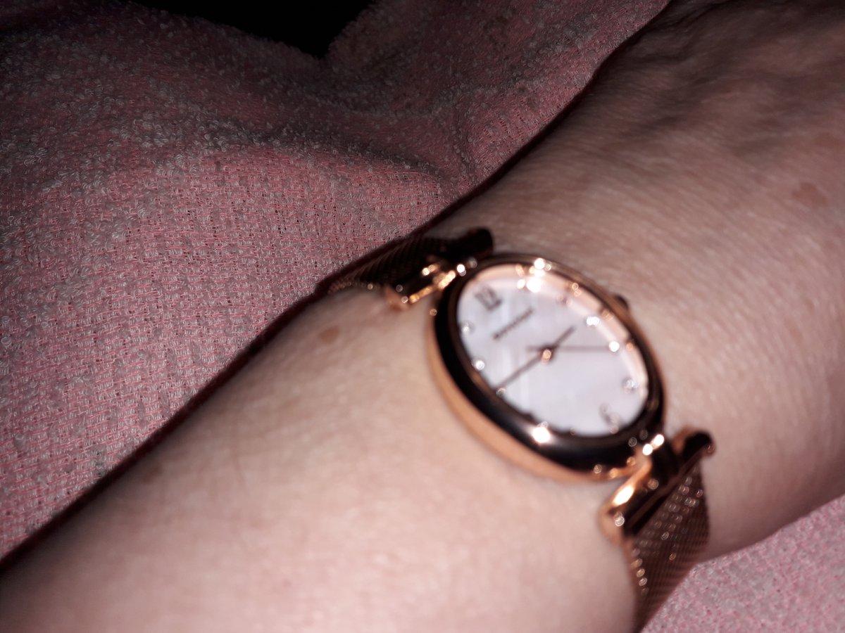 Часы для милых дам, иочаровательных девушек.