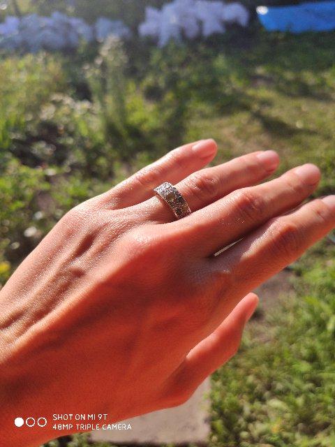 Кольцо невероятной красоты !!!!