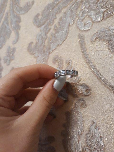 Серебряное колечко с топазами