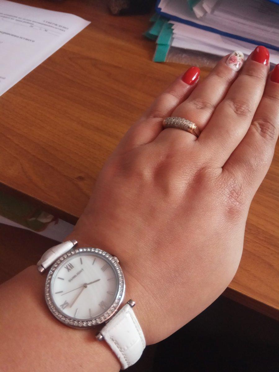 Отличные часы. На лето, красотища. Смотрится хорошо. Довольно крупные.