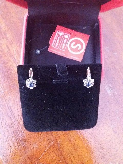 Сережки с сапфиром и бриллиантами