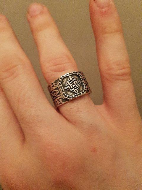 Отличный перстень !