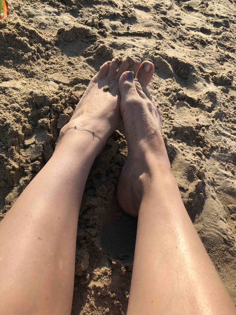 Красивый браслет на ногу