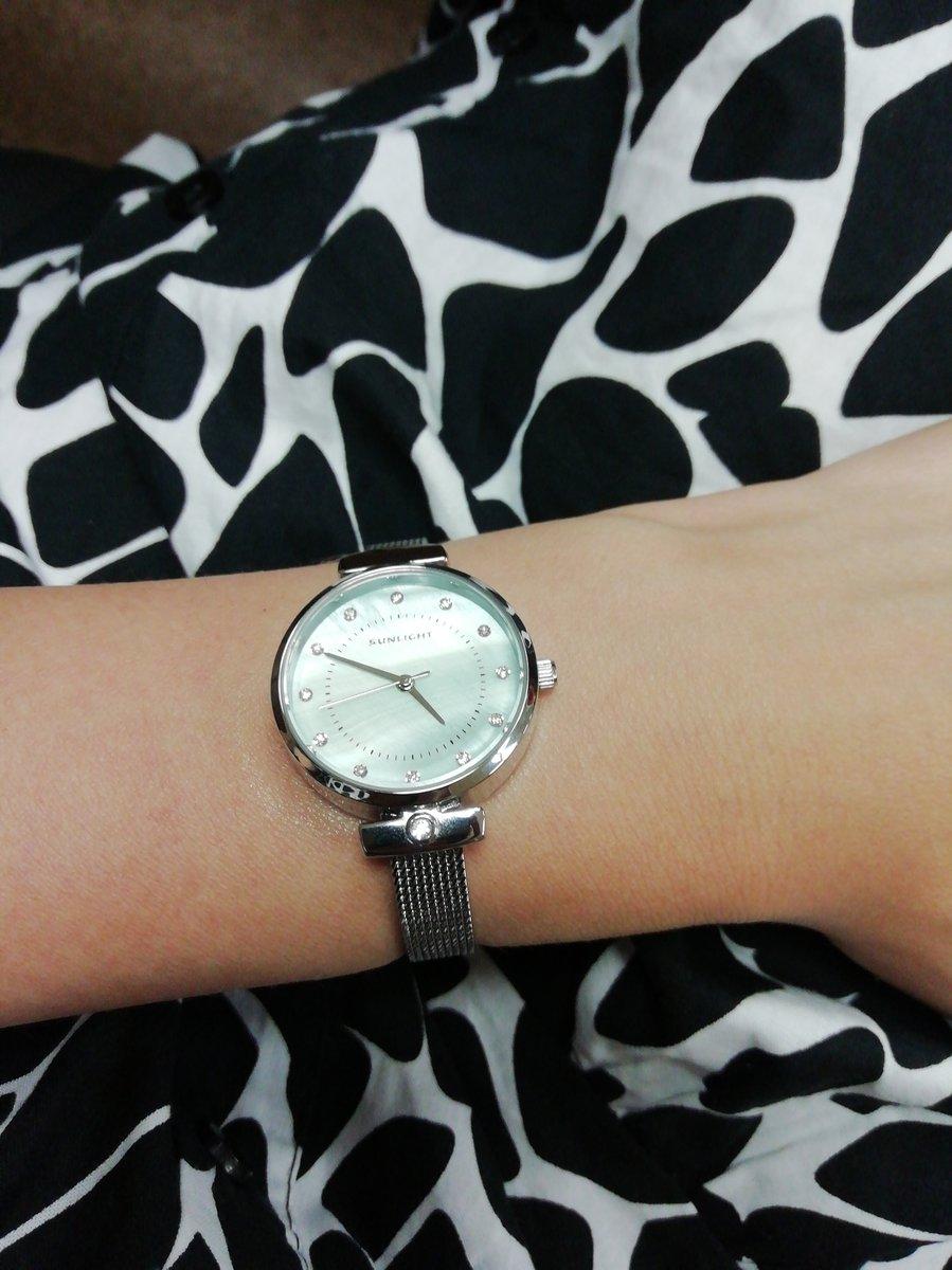 Лёгкий, нежные часы на каждый день, подходят к любому образу, очень довольн