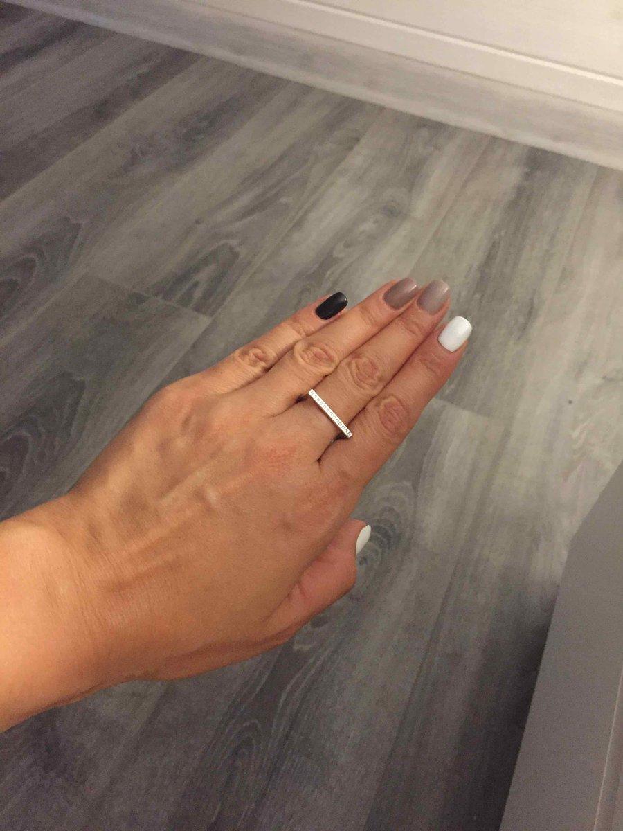 Кольцо стильное , аккуратное , необычное . очень довольна покупкой .👌👌👌