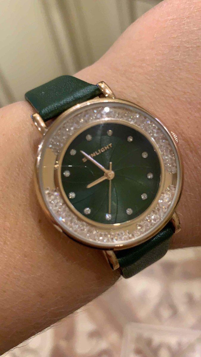 Чудесные часы, плюс прекрасное украшение
