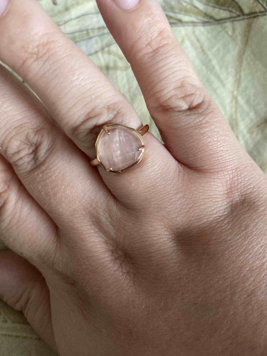 Великолепное позолоченное кольцо с кварцем