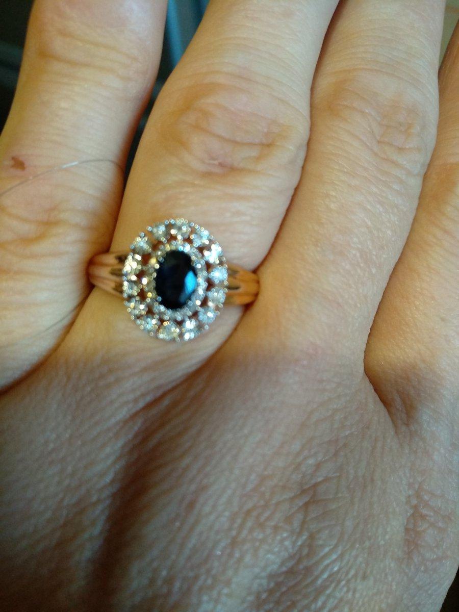 Кольцо просто превосходное, выглядит дорого и роскошно, спасибо sunlight