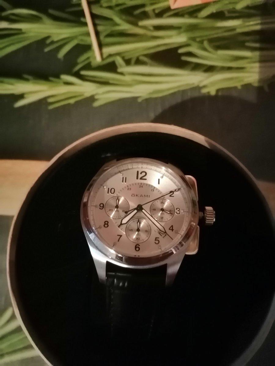 Хорошие часы, упаковка красивая