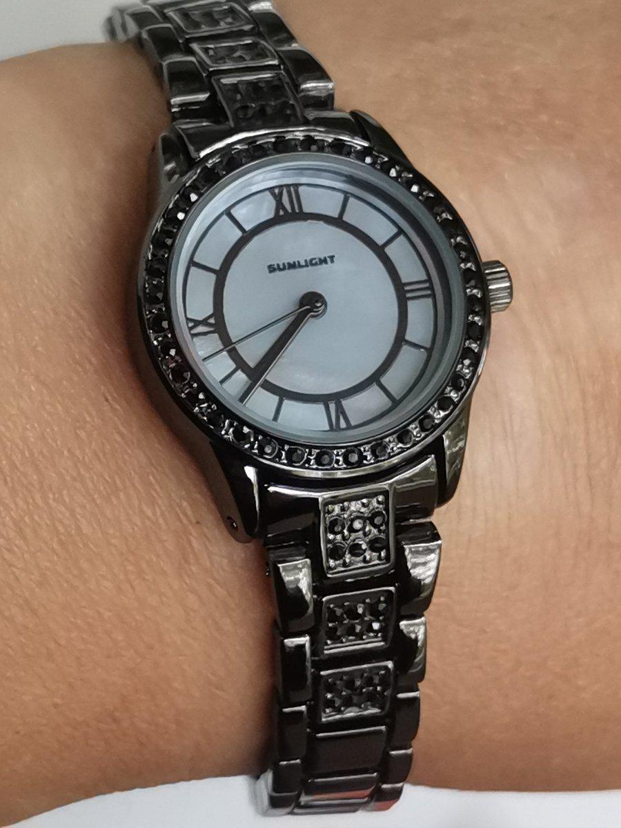 Часы с кристалами