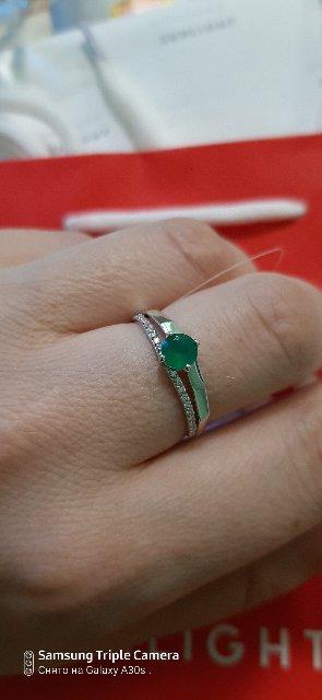 Очень красивое серебряное кольцо.