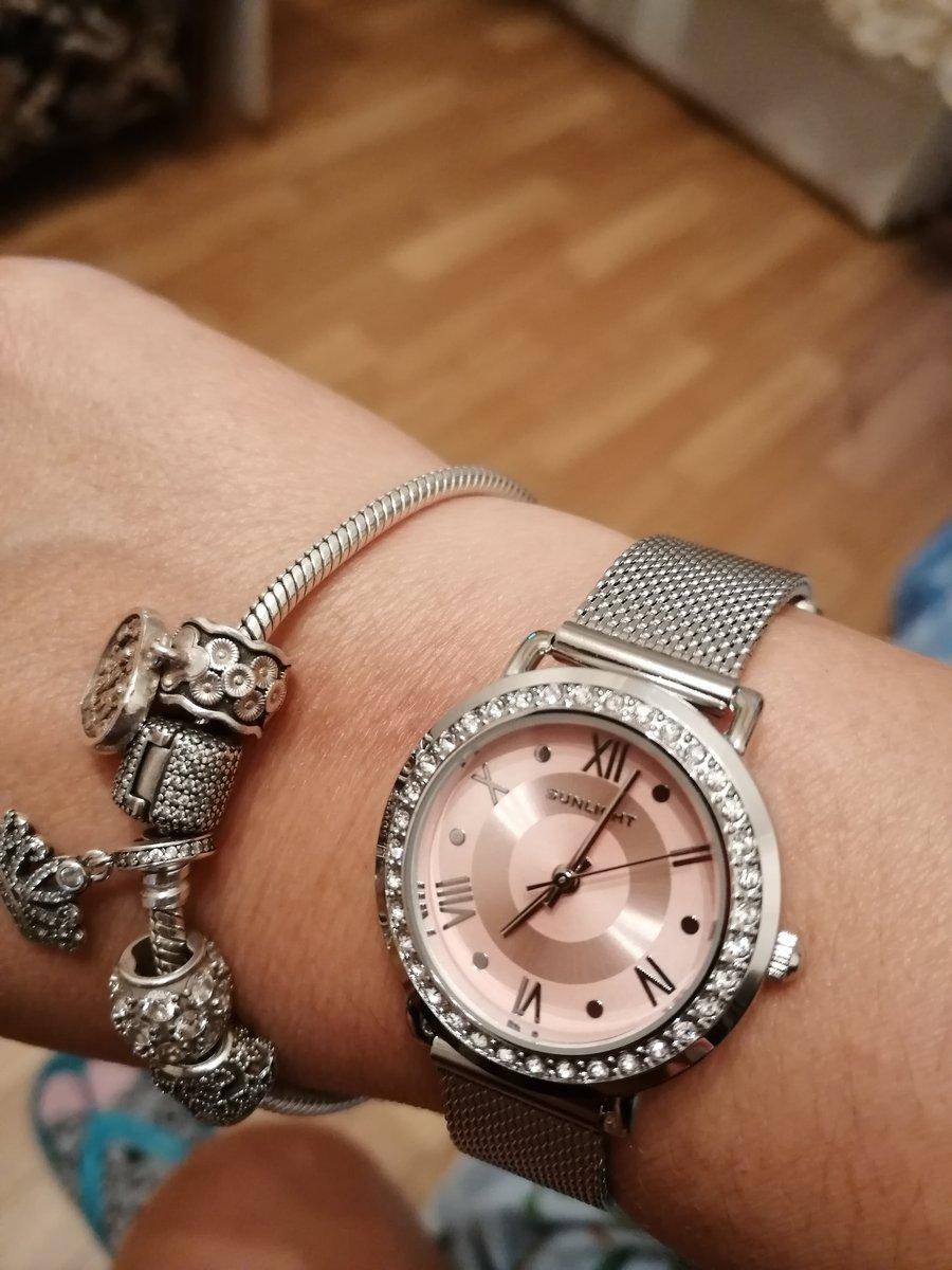 Часы женские!!!!