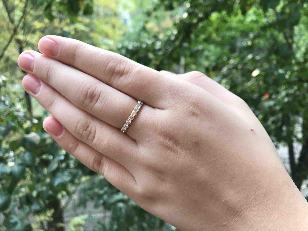 Кольцо из желтого золота с фианитами.
