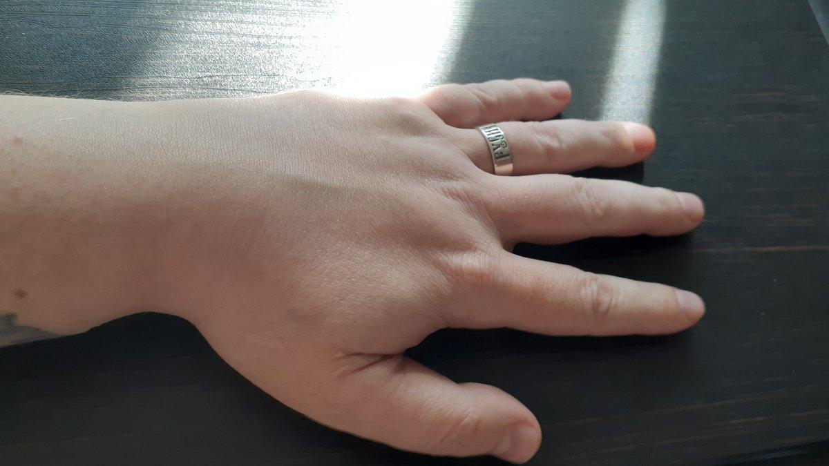 Купил серебряное кольцо-оберег русич.