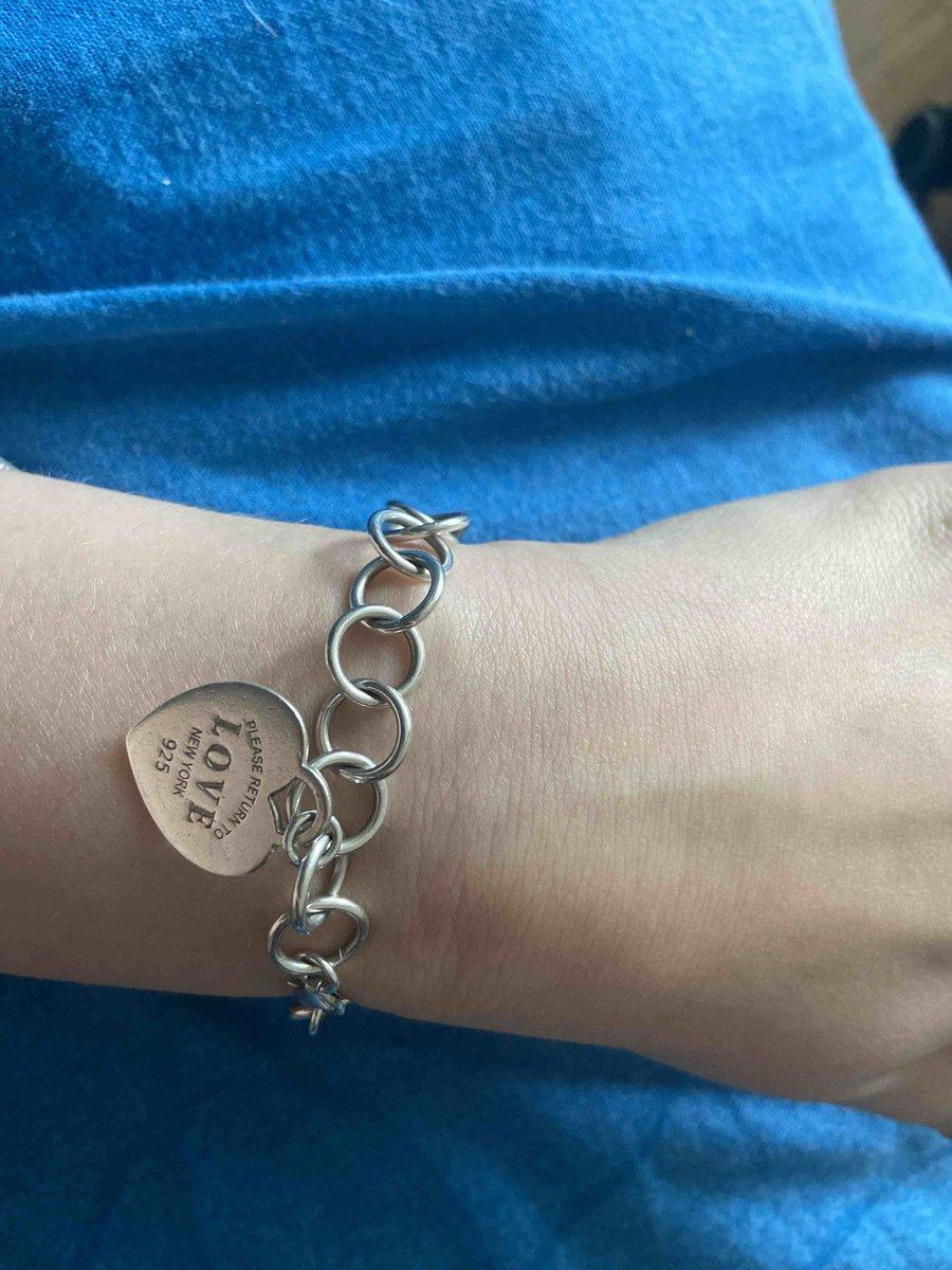 Очень долговечный и стильный браслет! советую всем, берите, не пожалеете.