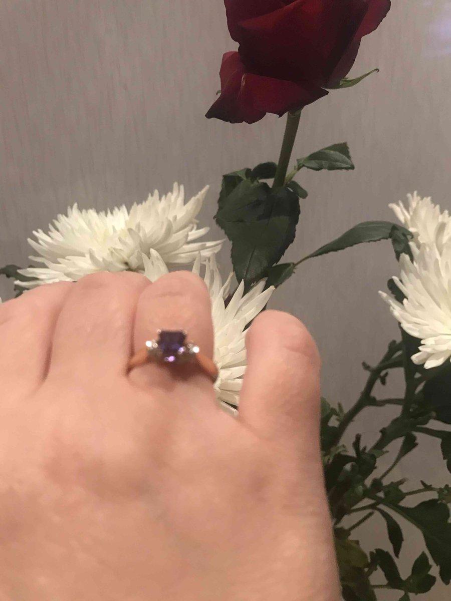 Необыкновенно красивое кольцо