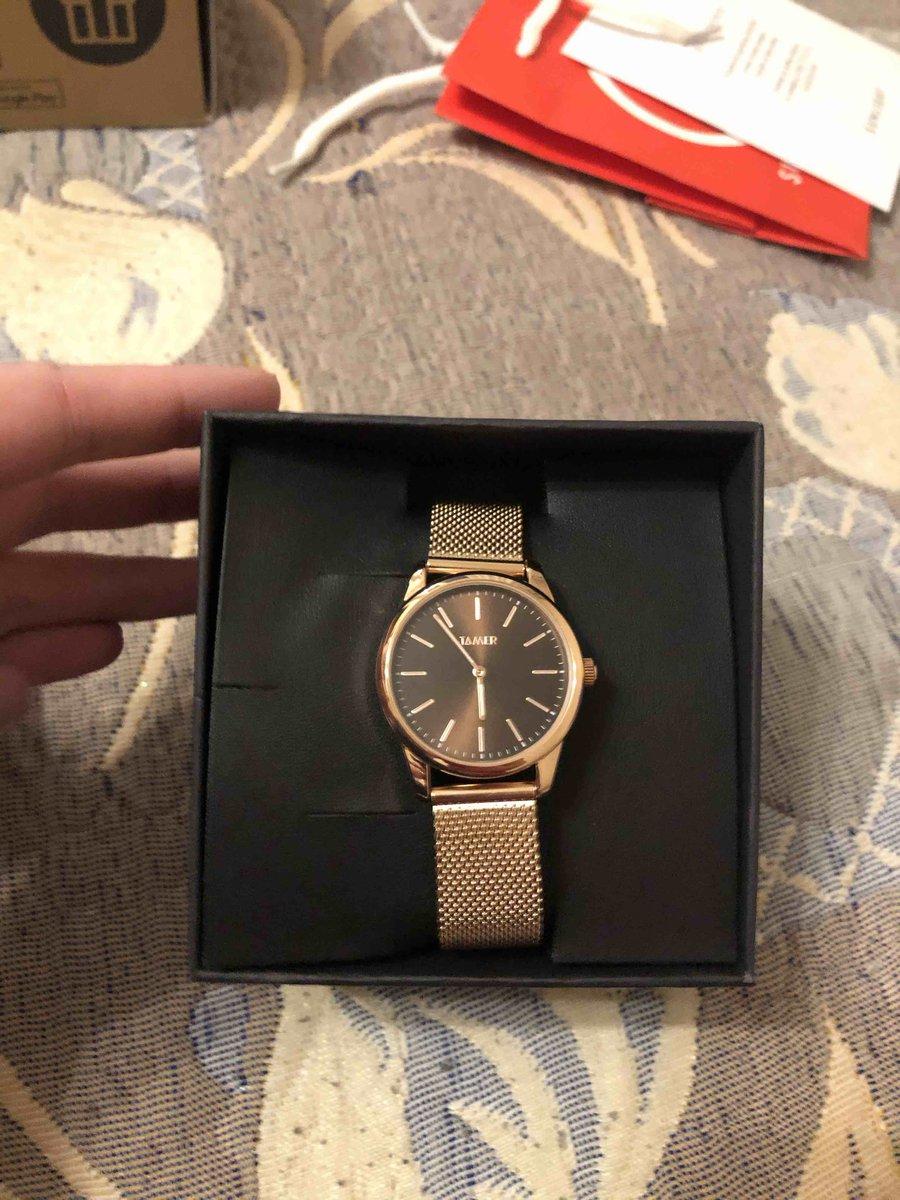 Красивые часы,надежная застежка