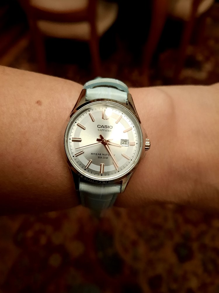 Часы с бирюзовым ремешком