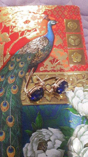 Необычные серьги с янтарем