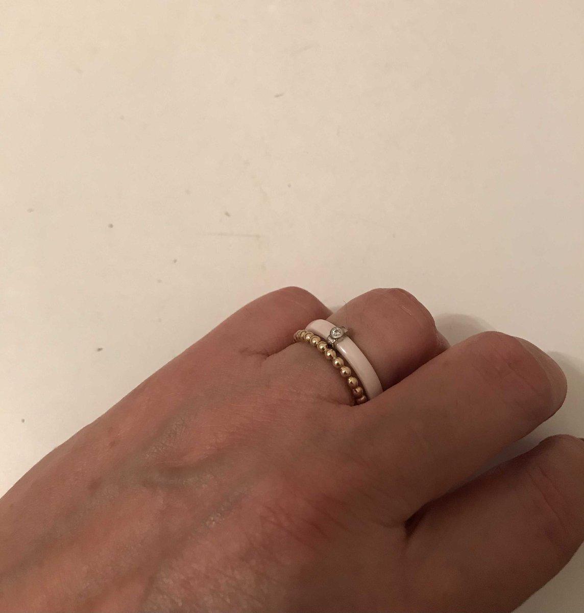 Розовое керамическое колечко