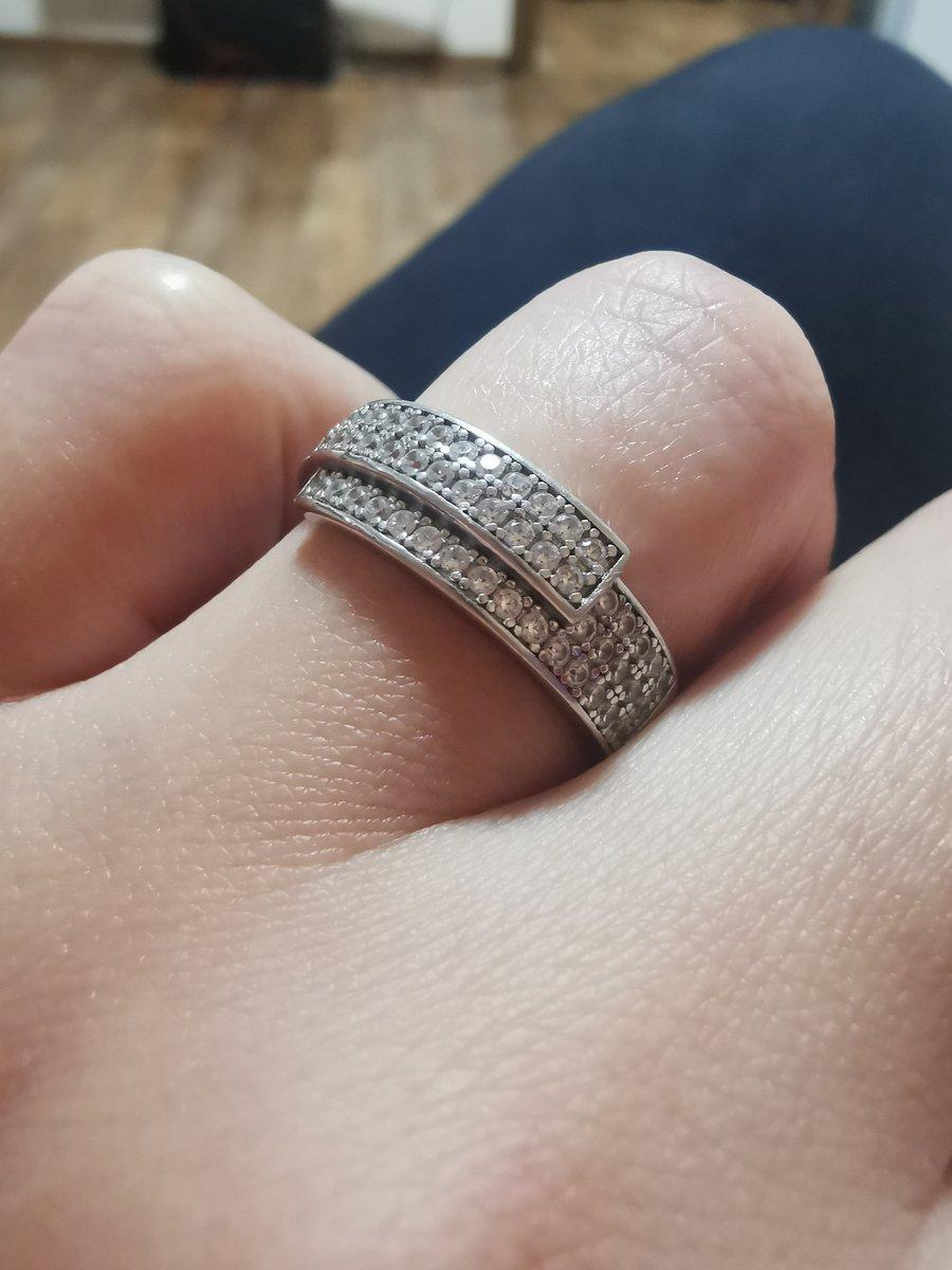 Отличное серебряное кольцо