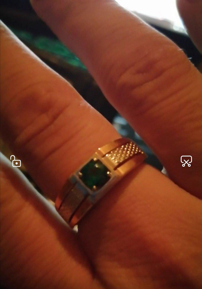 Кольцо с ищумрудом