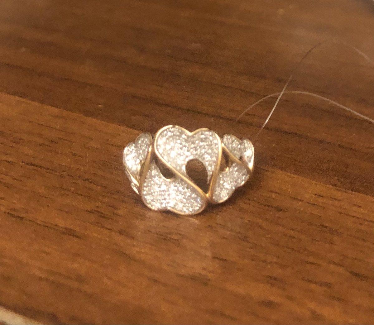 Золотое кольцо с бриллиантами😍