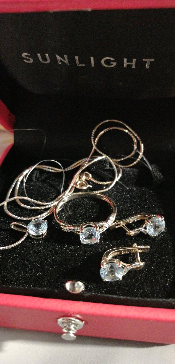 Топаз, бриллиант в золоте 585.