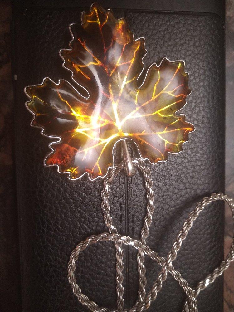 Брошь - кулон янтарь в серебре