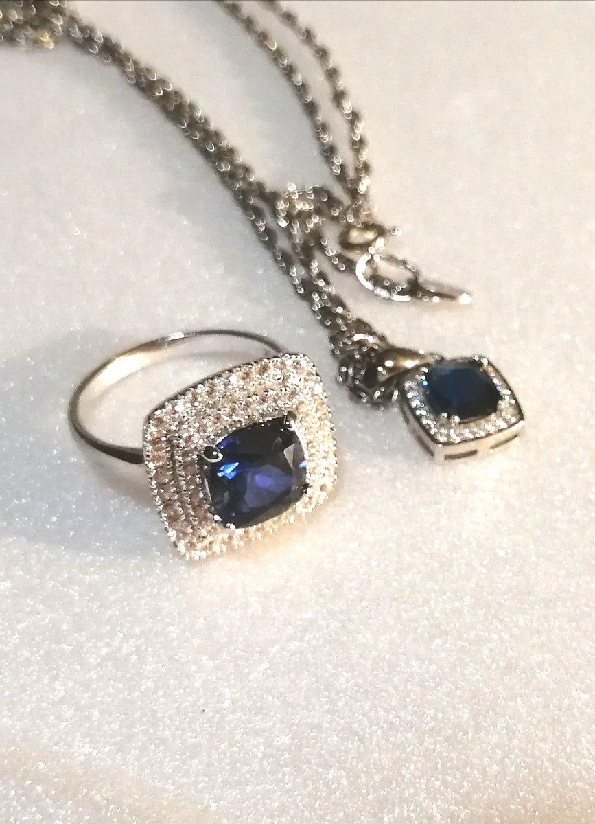 Очень роскошное кольцо!