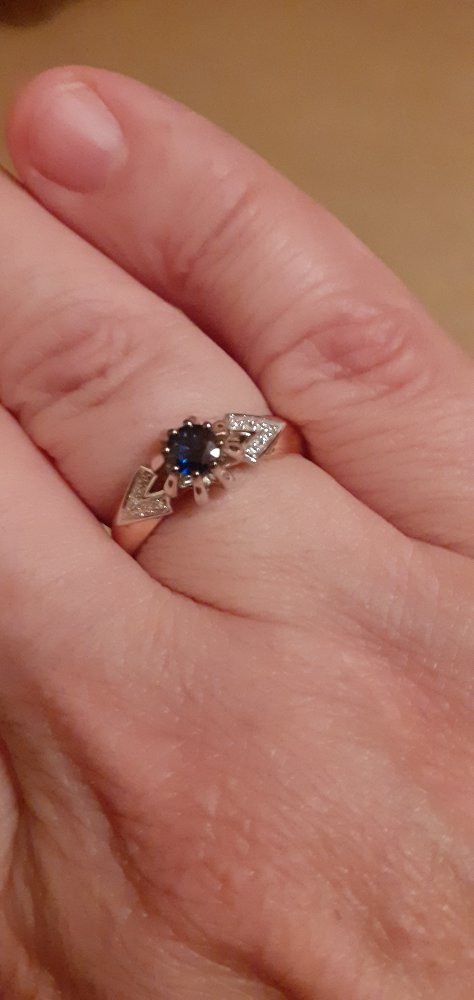Кольцо с сапфирами и бриллиантами !