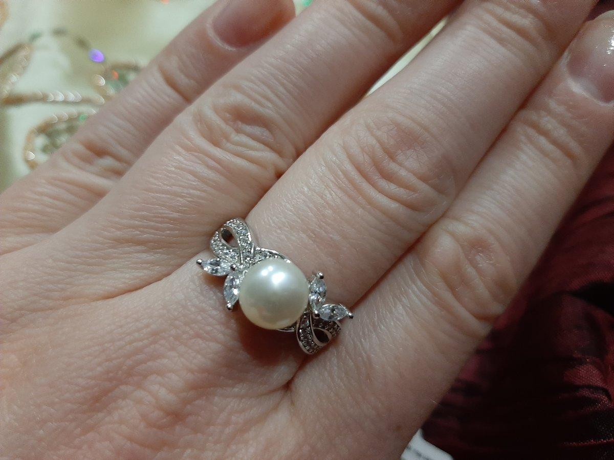 Кольцо с жемчужиной.
