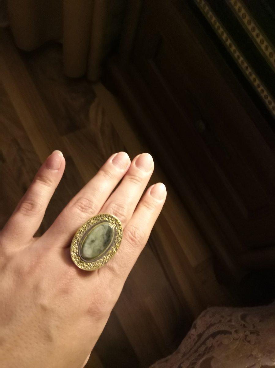 Кольцо-медальон