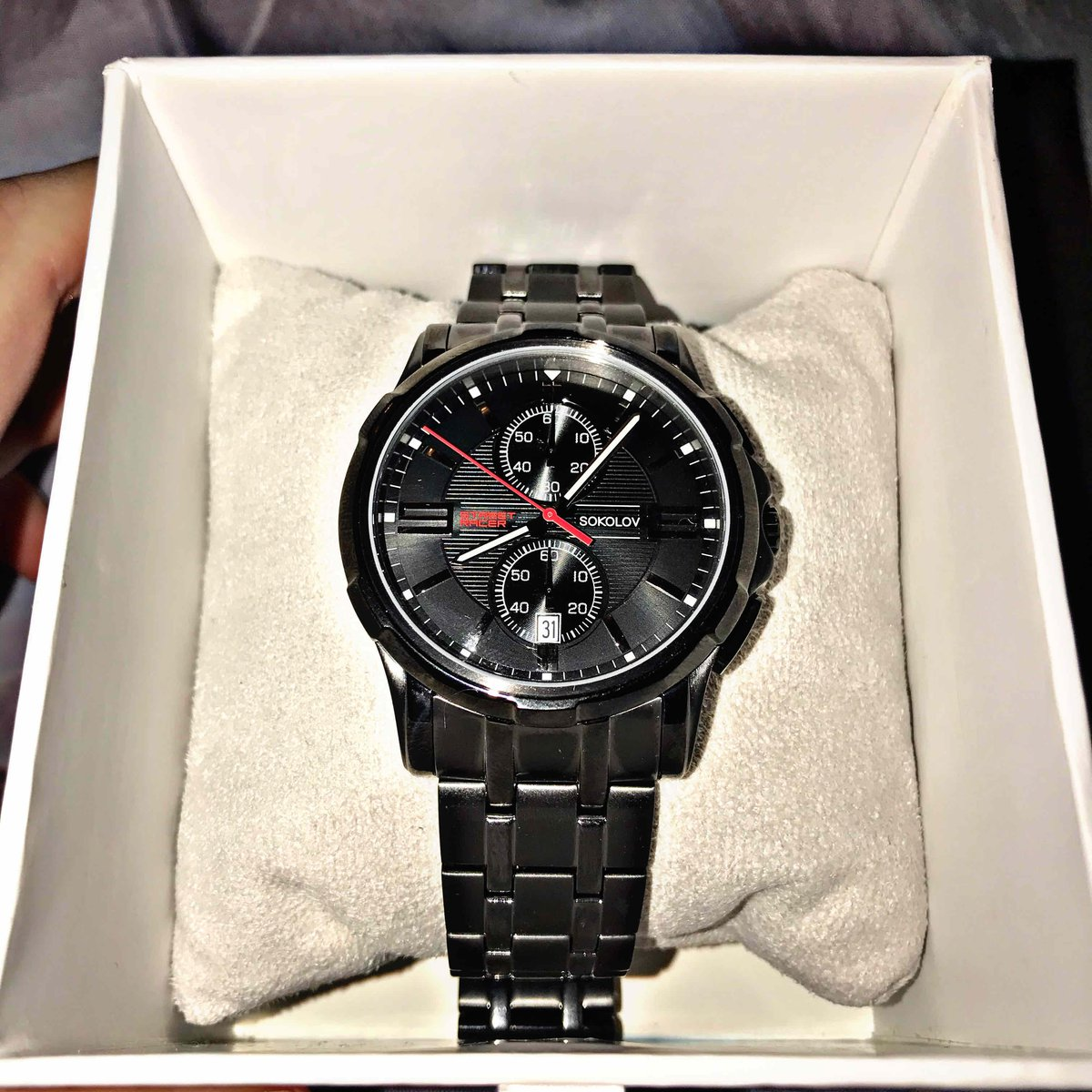 Хорошие часы, массивные.