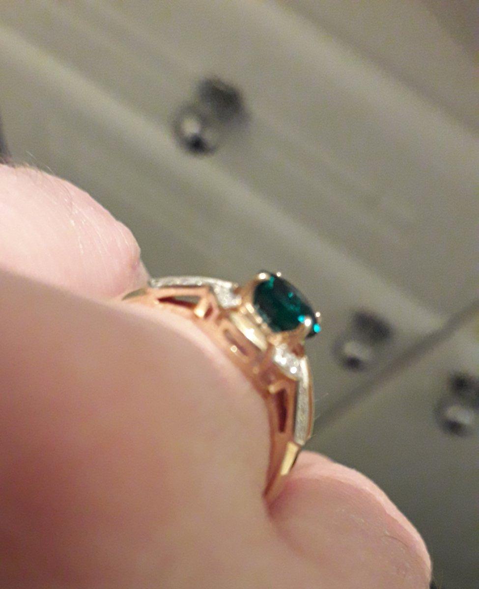 Серьги с изумрудом и бриллиантами