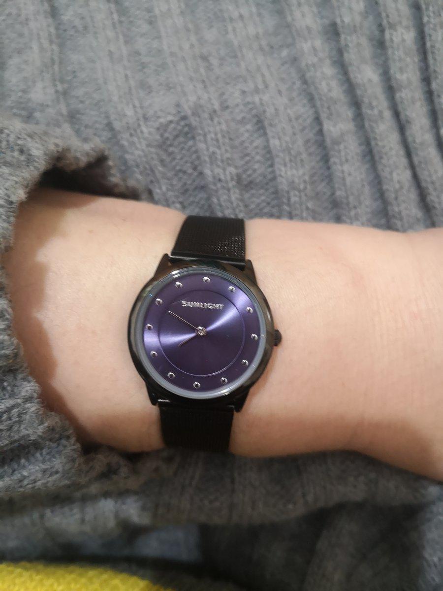Часы привезли курьерской доставкой в срок бесплатно, часы аккуратные класс)
